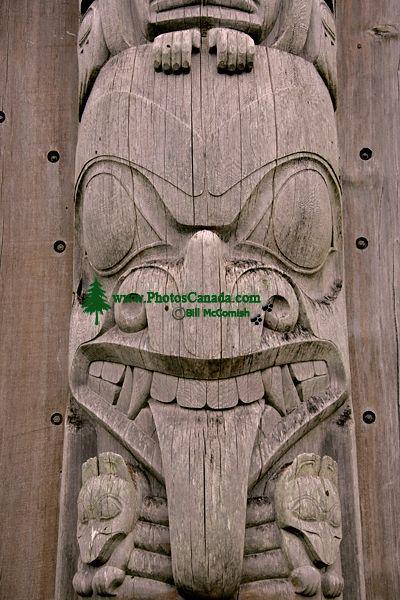 Bill Reid Totem Pole, Skidegate, Queen Charlotte Islanda, Haida Gwaii, British Columbia, Canada CM11-01
