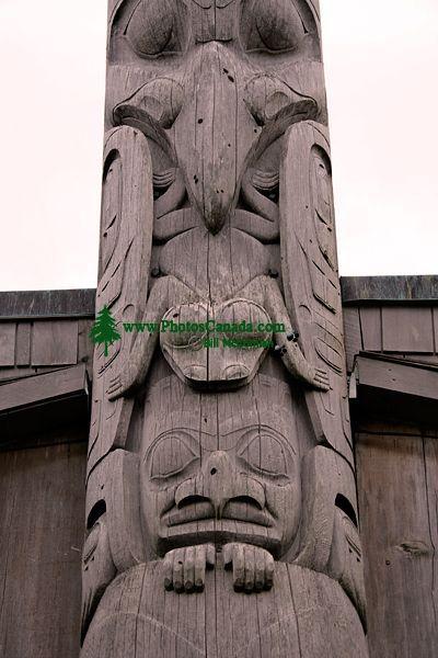 Bill Reid Totem Pole, Skidegate, Queen Charlotte Islanda, Haida Gwaii, British Columbia, Canada CM11-02