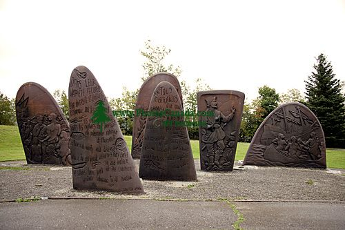 Jacque Cartier Monument, Musée de la Gaspésie, Gaspe, Gaspe Peninsula, Quebec, Canada CM11-07