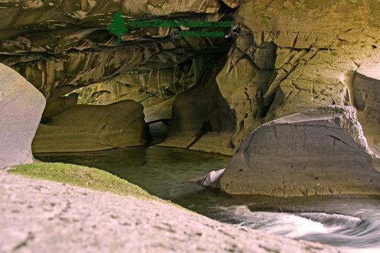 Little Huson Caves, Vancouver Island CM11-003