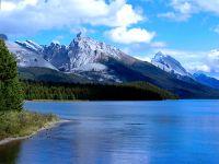 Maligne Lake, Jasper National Park, Alberta, Canada 01