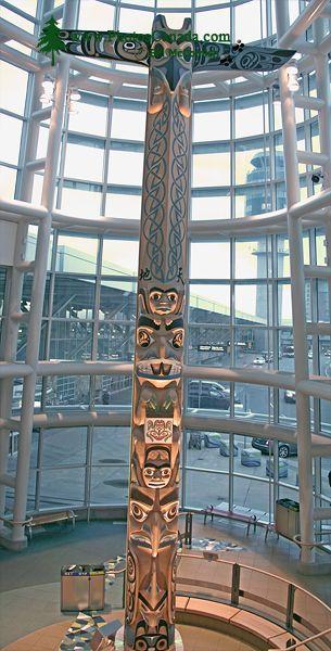 Vancouver Airport, Totem Pole CM11-027