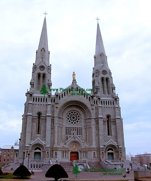 Basilique Ste-Anne de Beaupre, Quebec, Canada 24