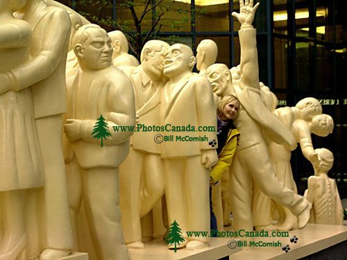 Montreal Crowds Sculpture, Montreal, 13