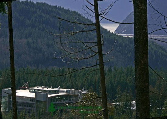 Quest University, Squamish, British Columbia, Canada CM11-001