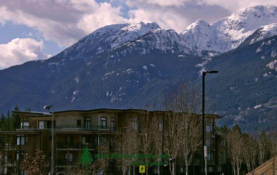 Quest University, Student Residence, Squamish, British Columbia, Canada CM11-004