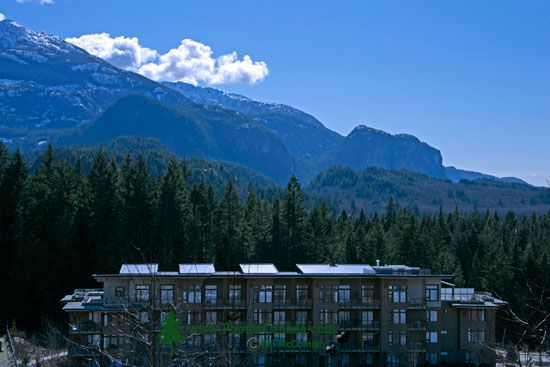 Quest University, Student Residence, Squamish, British Columbia, Canada CM11-005