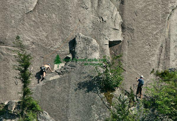 Rock Climbers, Stawamus Chief, Squamish, British Columbia, Canada CM11-04