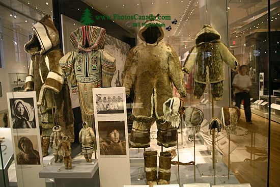 Royal Ontario Museum (ROM) First Nations Clothing, Toronto, Ontario CM11-010