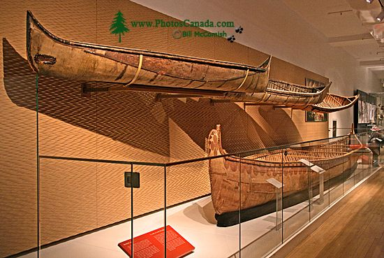Royal Ontario Museum (ROM) Toronto,Ontario, First Nations Canoe  Exhibit CM11-002