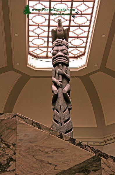 Royal Ontario Museum, (ROM) Totem Poles, Main Entrance Stairs, Toronto, Ontario CM11-009