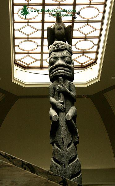 Royal Ontario Museum, (ROM) Totem Poles, Main Entrance Stairs, Toronto, Ontario CM11-014