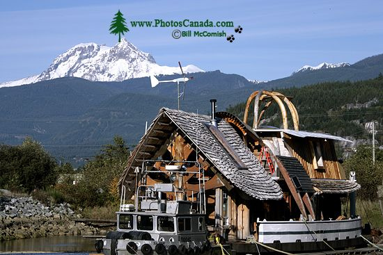 Squamish Harbour, Artistic House Boat, Howe Sound, British Columbia, Canada CM11-08