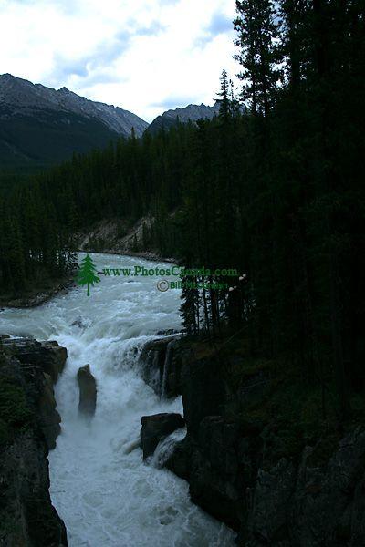 Sunwapta Falls, Icefields Parkway, Jasper National Park, Canada CM11-08