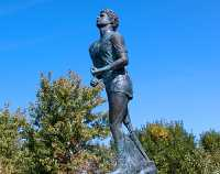 Terry Fox Monument 03