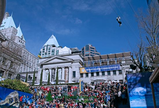 Vancouver 2010, Robson Square, Zip Line,  British Columbia, Canada CM11-08
